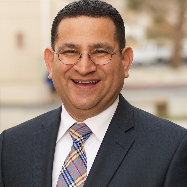 Dr. Luis Parada